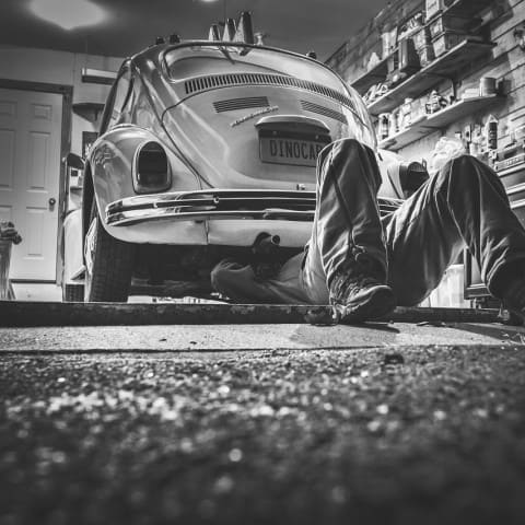 independent car repair versus dealer